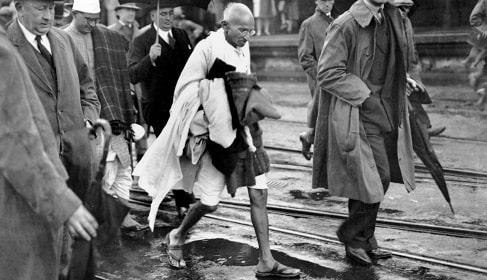 نحوه پوشش ماهاتما گاندی